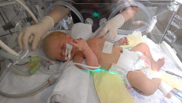 В отделении патологии новорожденных и недоношенных детей, фото из архива - Sputnik Азербайджан