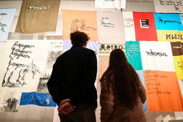 """Персональная выставка художника и поэта Баби Бадалова """"ZARA Tustra"""" в Центре современного искусства YARAT - Sputnik Азербайджан"""