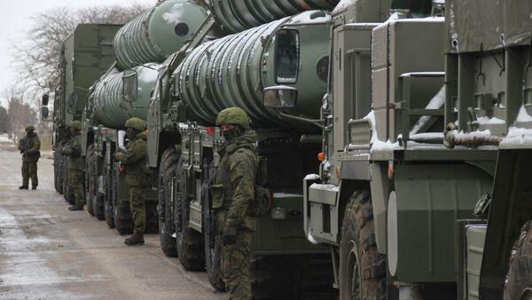 Дивизион зенитной ракетной системы С-400 Триумф завершил испытания - Sputnik Азербайджан