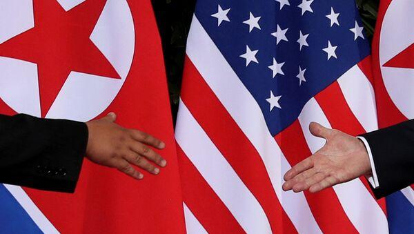 ABŞ prezidenti Donald Trampın Şimali Koreya lideri ilə görüşü - Sputnik Azərbaycan