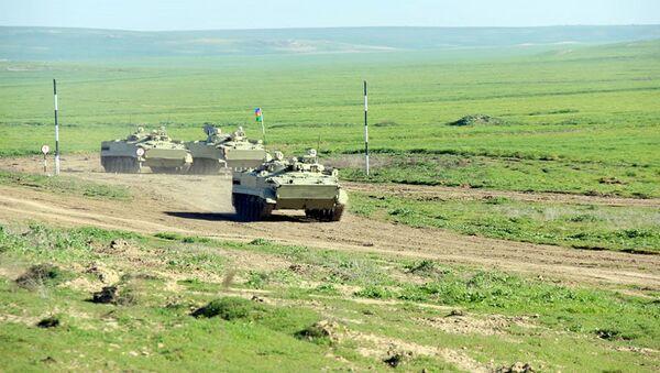 Проверен уровень подготовки командиров батальонов  - Sputnik Азербайджан