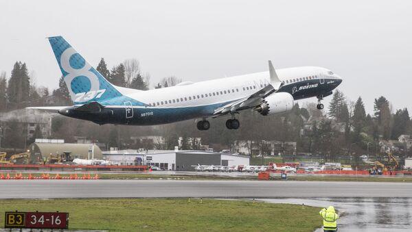 Boeing 737 MAX 8 təyyarəsi səmaya qalxır - Sputnik Azərbaycan