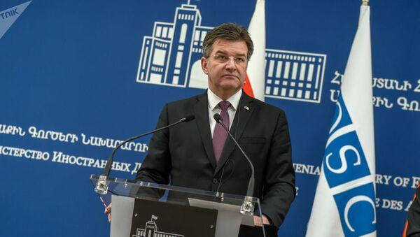 Действующий глава ОБСЕ Мирослав Лайчак на совместной пресс-конференции с министром иностранных дел Армении Зограбом Мнацаканяном - Sputnik Azərbaycan