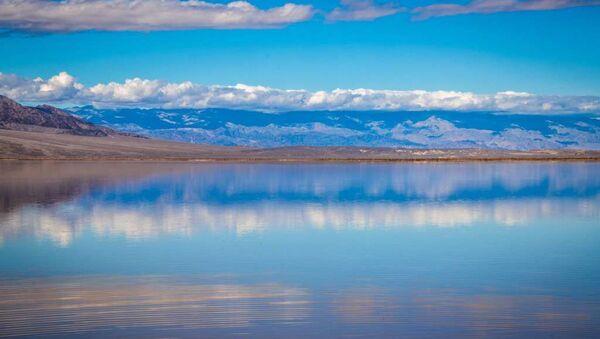 Озеро Долине Смерти - Sputnik Азербайджан