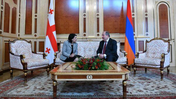 Gürcüstan prezidenti Salome Zurabişvili və Ermənistan prezidenti Armen Sarkisyan - Sputnik Azərbaycan