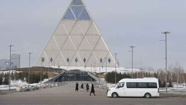 Дворец мира и согласия в Нур-Султане - Sputnik Азербайджан