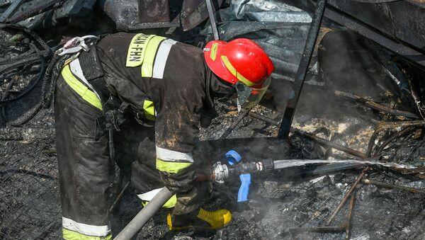 Пожар в торговом центре Диглас - Sputnik Азербайджан