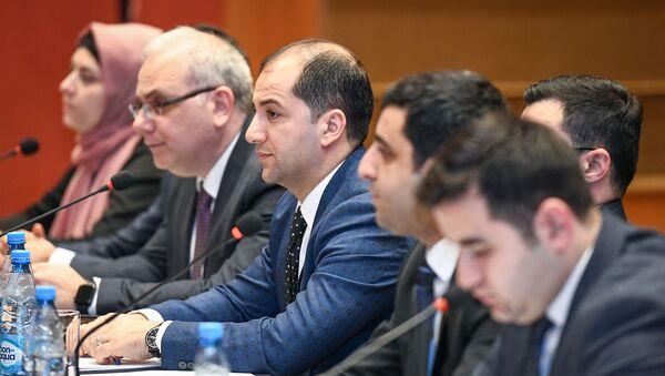 Vergi qanunvericiliyindəki son dəyişikliklərin turizm sahəsində tətbiqi ilə bağlı tədbir keçirilib - Sputnik Azərbaycan