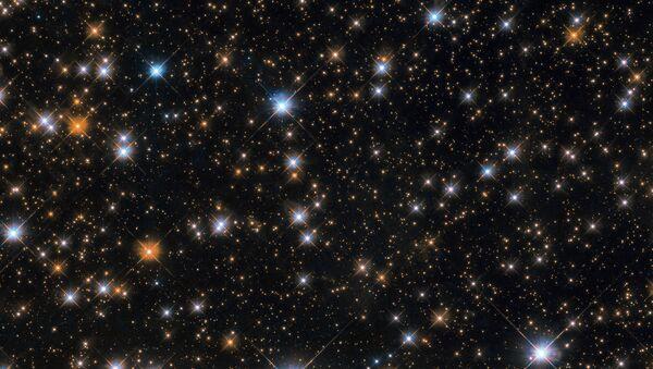 Messier 11 - рассеянное звездное скопление в созвездии Щита - Sputnik Азербайджан