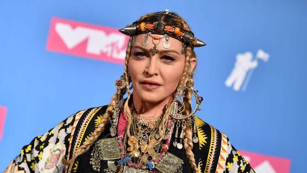 Мадонна на церемонии вручения MTV Video Music Awards 2018 года в Radio City Music Hall - Sputnik Азербайджан