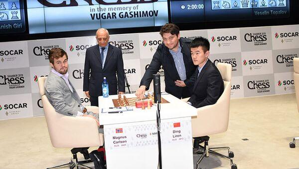 В Шамкире состоялись партии шестого тура традиционного шахматного супертурнира Shamkir Chess 2019, посвященного памяти Вугара Гашимова - Sputnik Азербайджан