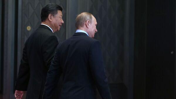 Президент России Владимир Путин и его китайский коллега Си Цзиньпин - Sputnik Азербайджан