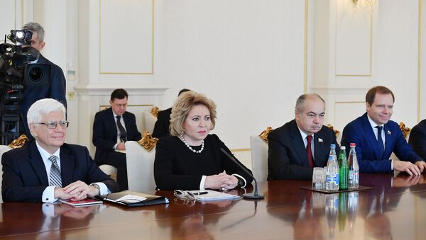 Президент Азербайджана Ильхам Алиев принял делегацию во главе с председателем Совета Федерации Федерального Собрания Российской Федерации Валентиной Матвиенко - Sputnik Азербайджан