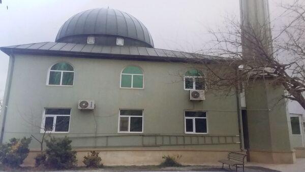 В поселке Баладжары Бинагадинского района в одной из мечетей украдены деньги из кабинета ахунда - Sputnik Азербайджан