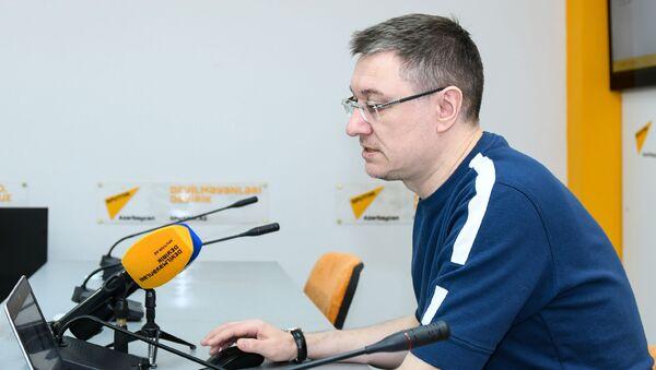 Известный журналист и спортивный комментатор, исполнительный директор МИА Россия сегодня Василий Конов - Sputnik Азербайджан