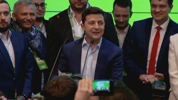 «Мы сделали это вместе»: Владимир Зеленский избран президентом Украины  - Sputnik Азербайджан