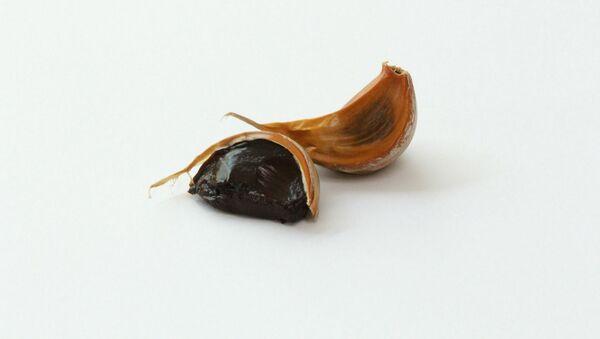 Черный чеснок, фото из архива - Sputnik Azərbaycan
