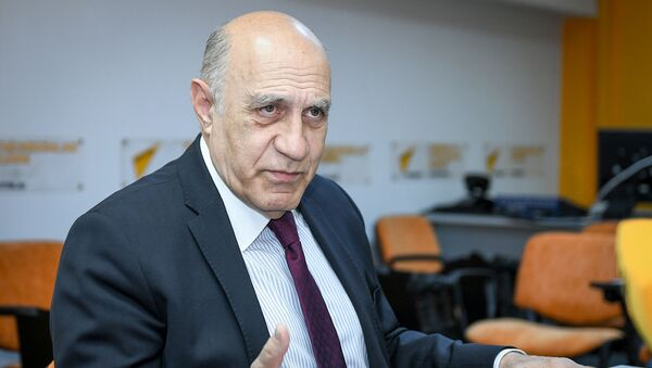 Фикрет Садыхов – политолог, профессор Университета Западный Каспий - Sputnik Азербайджан