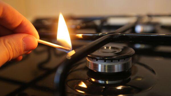 Зажжение газовой конфорки - Sputnik Азербайджан