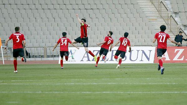 Радость футболистов Габалы после забитого гола в ворота Карабаха - Sputnik Азербайджан