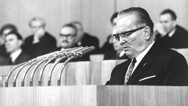Выступление председателя Союза коммунистов Югославии Иосипа Броз Тито - Sputnik Азербайджан