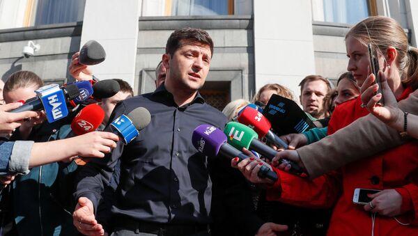 Ukraynanın yeni seçilən prezidenti Vladimir Zelenski - Sputnik Azərbaycan