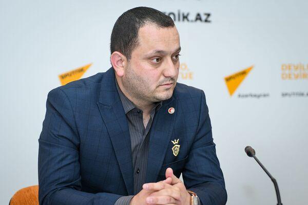 Ответственный сотрудник Общества Красного полумесяца Азербайджана Халид Халилов - Sputnik Азербайджан