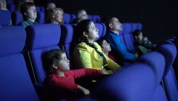 Зрители в кинозале, фото из архива - Sputnik Азербайджан