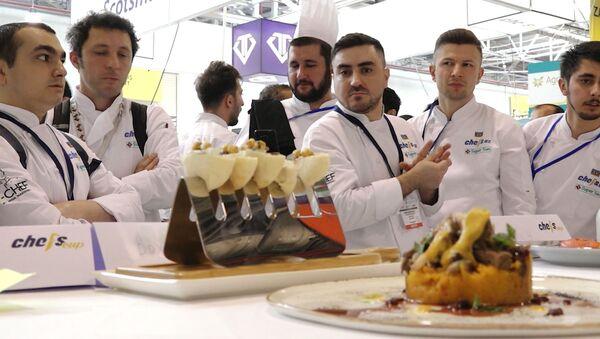 Соревнование поваров и кулинаров в Баку: как это было - видео - Sputnik Азербайджан