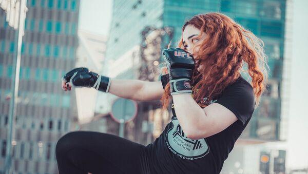 Первая и единственная в Азербайджане девушка - профессиональный боец по смешанным единоборствам (ММА) Суад Салимова - Sputnik Азербайджан