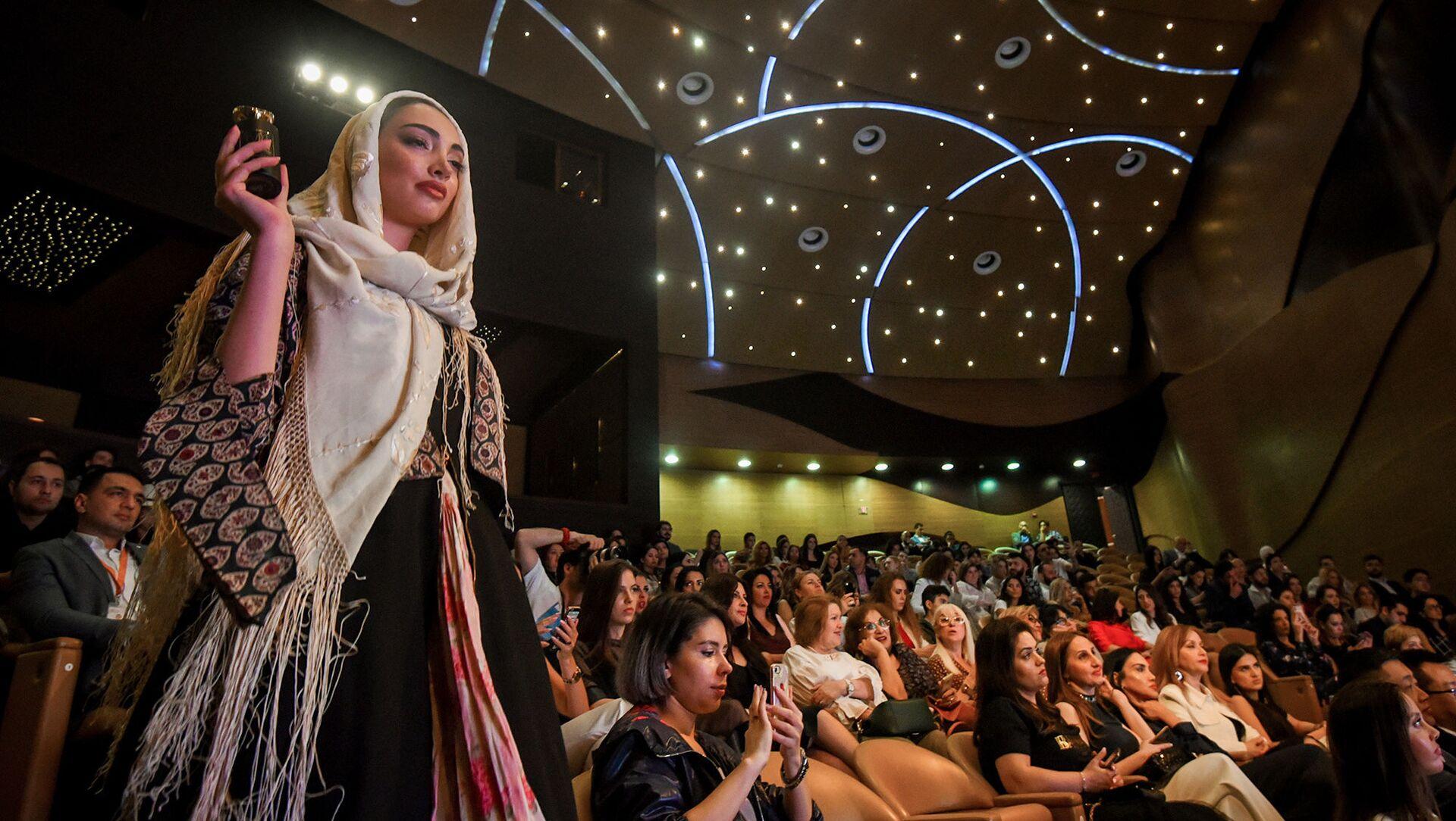 Стартовал новый фешн-проект Baku Fashion Expo 2019 - Sputnik Азербайджан, 1920, 10.04.2021