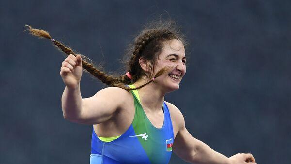 Эльмира Гамбарова из Азербайджана празднует победу - Sputnik Азербайджан