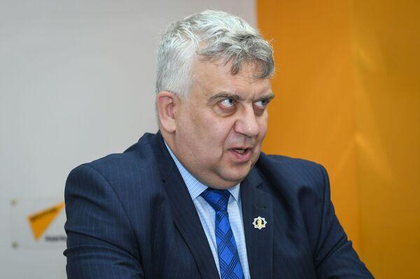 Олег Кузнецов российский историк доктор исторических наук - Sputnik Азербайджан
