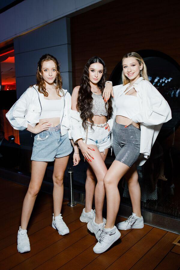 Cosmos girls на pre-party международного музыкального фестиваля Жара-2019 - Sputnik Азербайджан