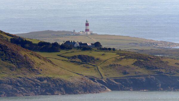 Остров Бардси, расположенный у побережья Северного Уэльса - Sputnik Азербайджан