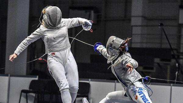 Чемпионка Европы по фехтованию на саблях среди молодежи Анна Башта - Sputnik Азербайджан