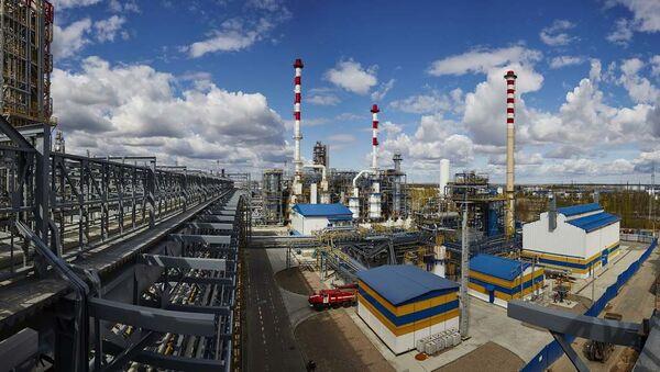 Антипинский нефтеперерабатывающий завод - Sputnik Азербайджан