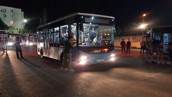 БТА предоставило автобусы для перевозки болельщиков матча Азербайджан-Венгрия - Sputnik Азербайджан