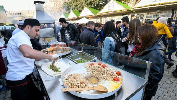 Фестиваль уличной еды в Баку, фото из архива - Sputnik Азербайджан