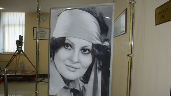 В Государственном фильмофонде отметили день рождения народной артистки Амалии Панаховой - Sputnik Азербайджан