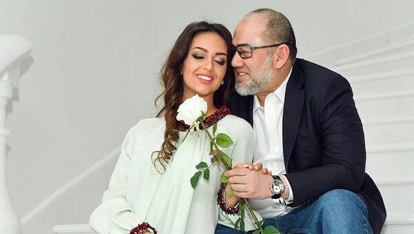 Miss Moskva-2015 Oksana Voyevodina və həyat yoldaşı keçmiş Malayziya kralı V Məhəmməd Fəris - Sputnik Azərbaycan