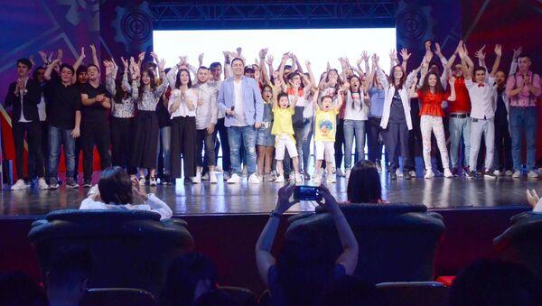 В Баку прошло открытие Лиги смеха - Sputnik Азербайджан