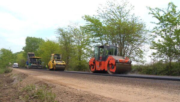 Реставрация дороги  на территории Имишлинского района - Sputnik Азербайджан