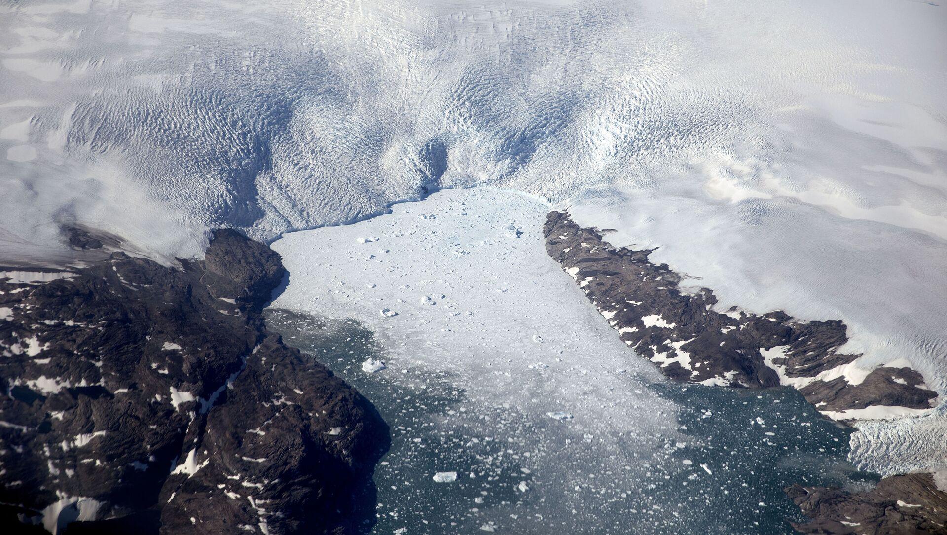 Таяние ледника в Гренландии - Sputnik Azərbaycan, 1920, 28.08.2021