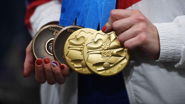 Медали разных достоинств спортсменов-участников II Европейских игр - Sputnik Азербайджан