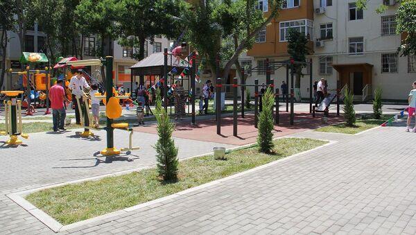 Обновленный двор в рамках проекта Наш двор - Sputnik Азербайджан