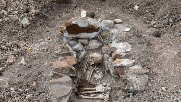 Археологические раскобки на Човдарском месторождении цветных металлов  - Sputnik Азербайджан