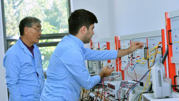 Корейские специалисты в бакинском государственном центре профобразования - Sputnik Азербайджан