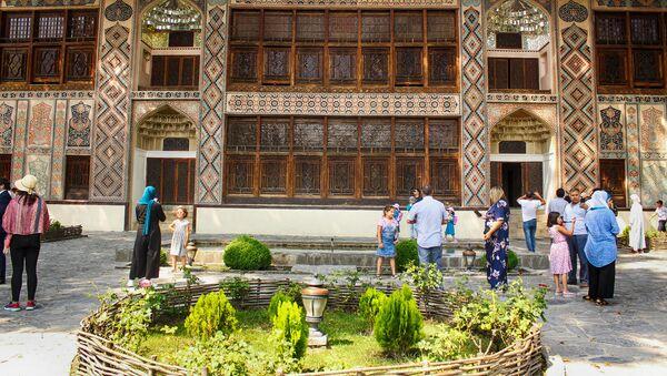 Şəki xan sarayı — Azərbaycanın Şəki şəhərində yerləşən keçmiş xan sarayı - Sputnik Azərbaycan