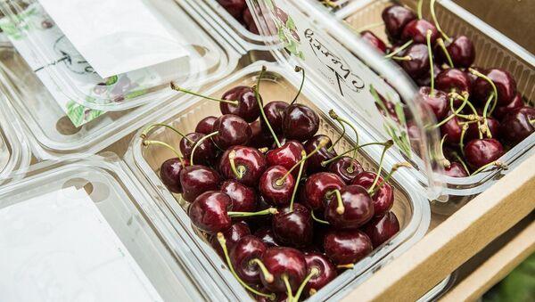 Азербайджанская черешня из Хачмаза появилась в супермаркетах Нигерии - Sputnik Азербайджан